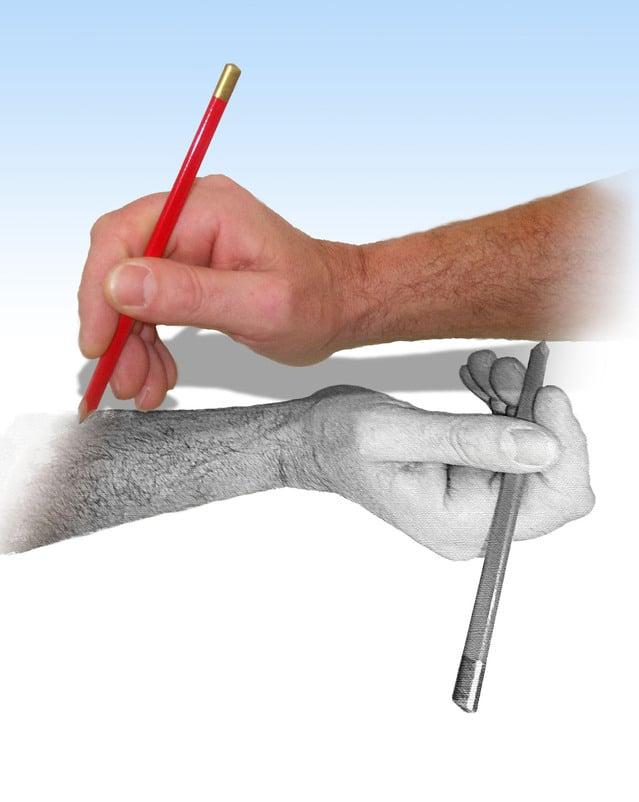 描かれた手と実際の手の関係