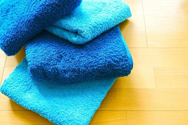 水色と青色の四枚のバスタオル