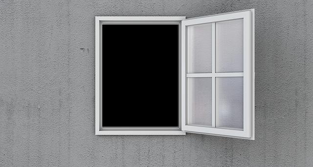 開けた窓から見える真っ白な世界
