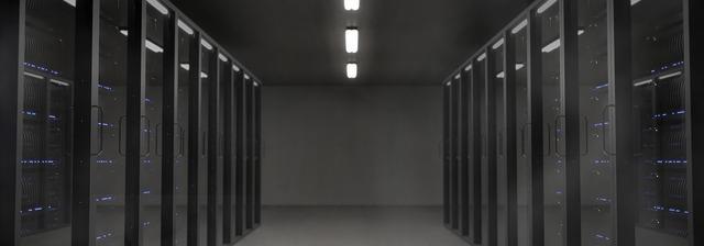 モノクロのサーバールーム